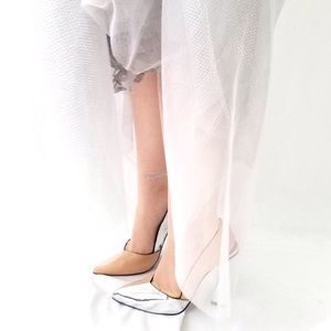 United Nude ULTRA nude silver heels sz 37 7